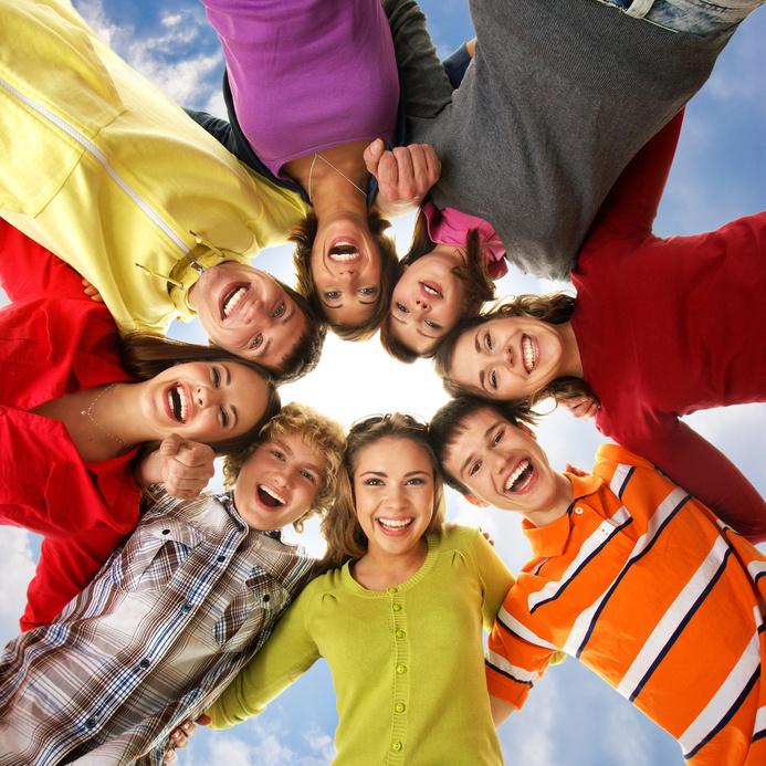 Symbolbild Jugendliche, junge Menschen